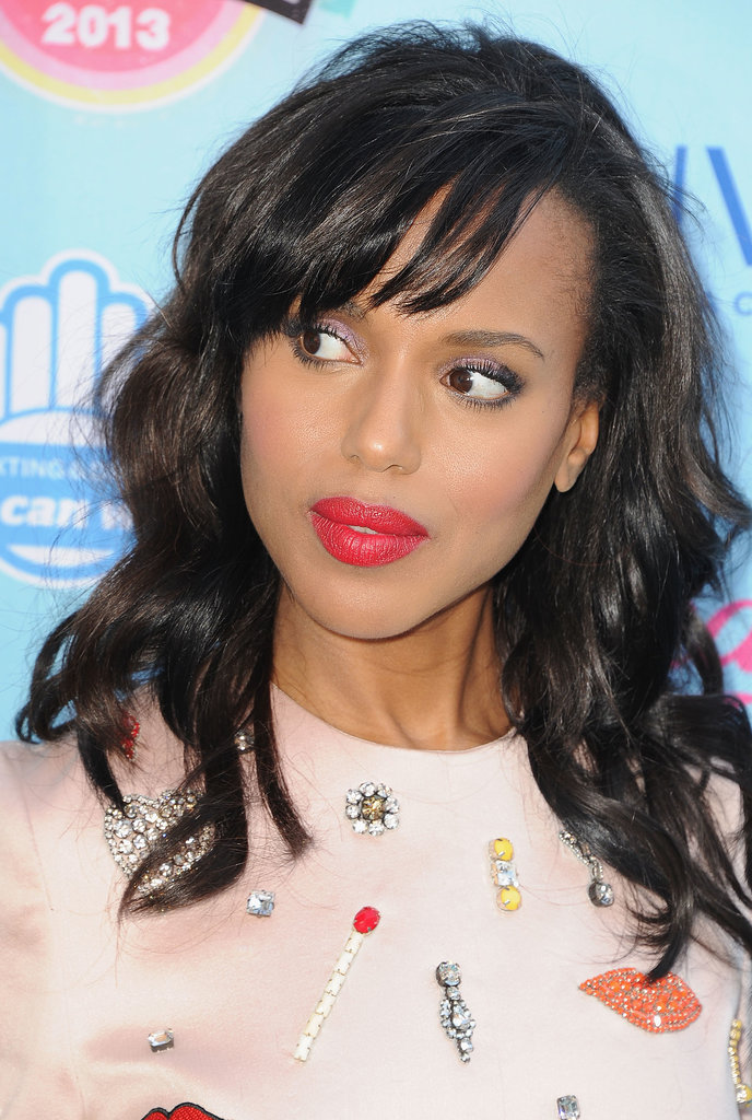 Kerry Washington's pink lips were instantly eye-catching, but look a little closer. The Scandal actress also swept a lavender shadow across her lids, creating a balancing act with her colors.