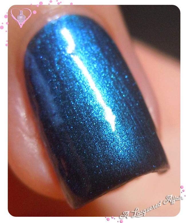 YSL Bleu Cosmique, Close-up
