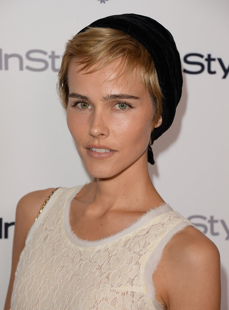 We love Isabel Lucas's fun and funky hairstyle, which looked incredible with her bold brows.