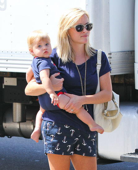 Reese Witherspoon held on to her son, Tennessee Toth.