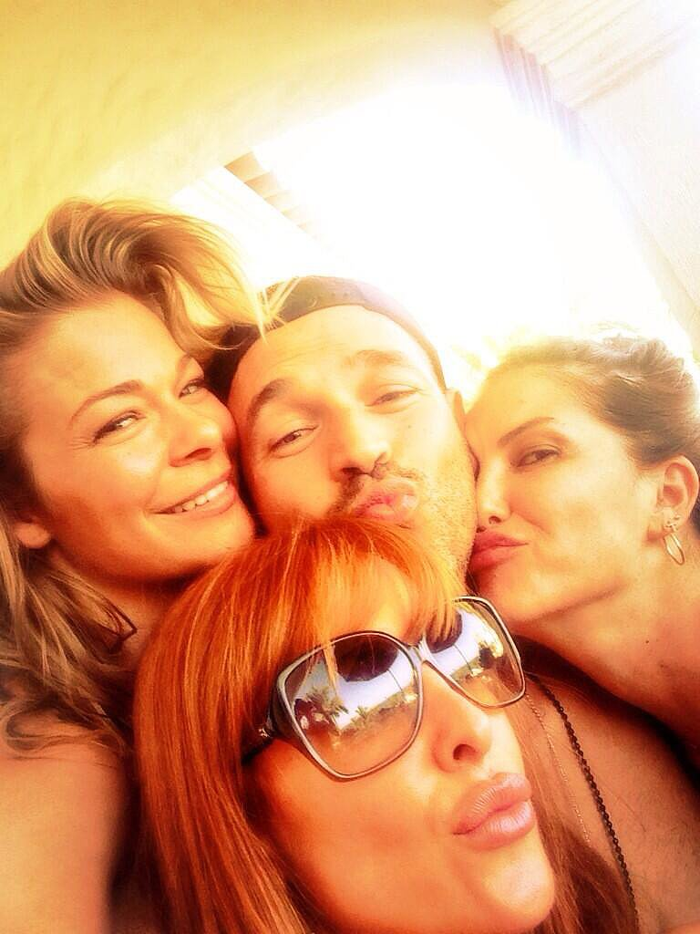 LeAnn Rimes shared vacation photos on Twitter. Source: Twitter user leannrimes