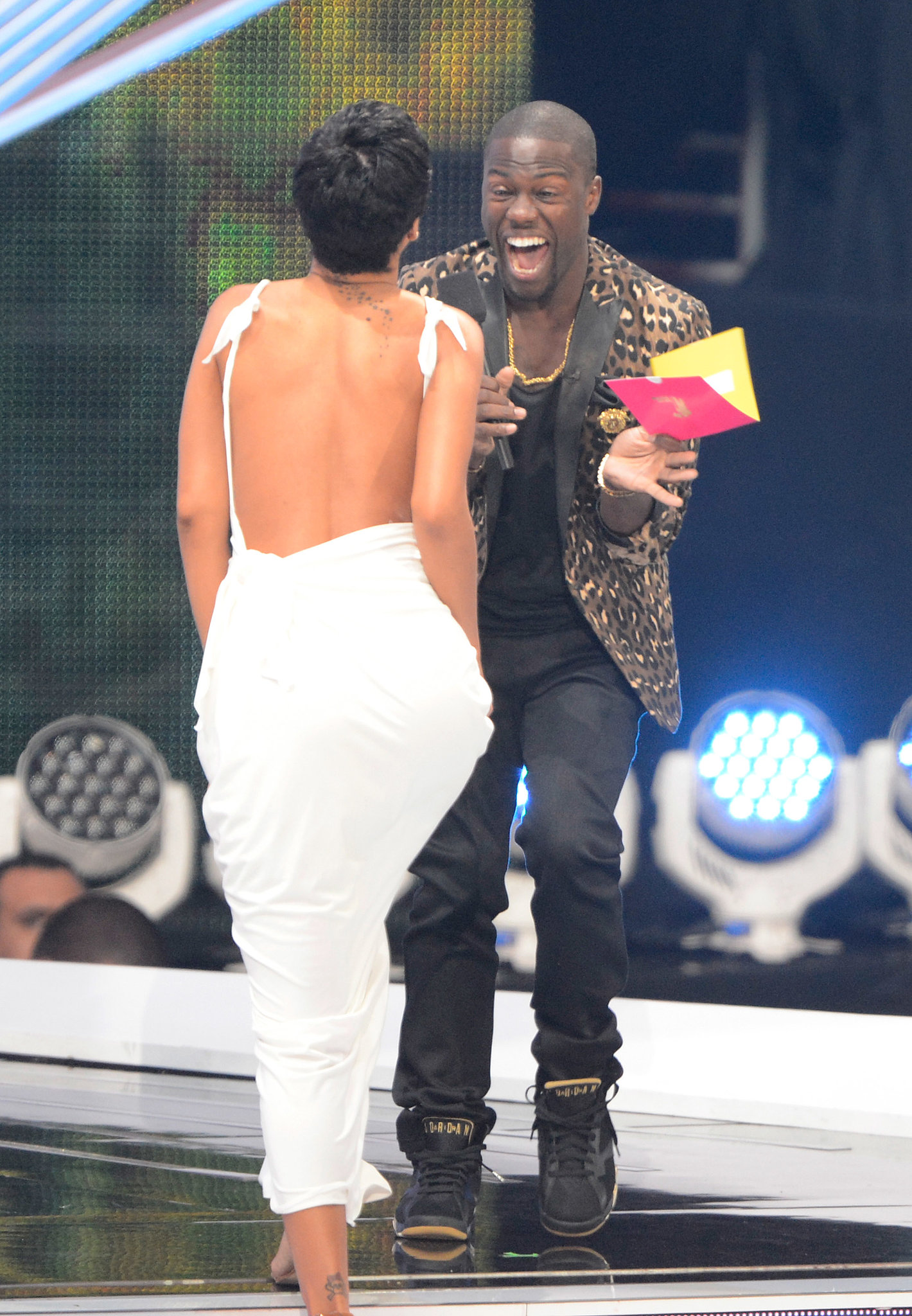 Kevin Hart freaked out at the 2012 VMAs when Rihanna took the stage.