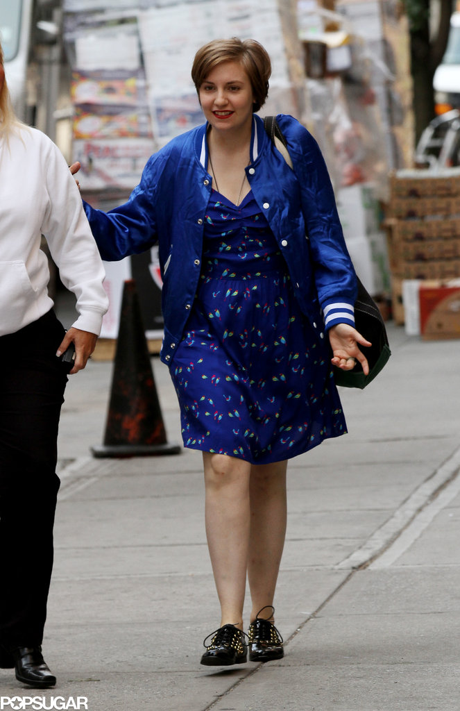 Lena Dunham continued working on the new season of Girls in NYC on Monday.