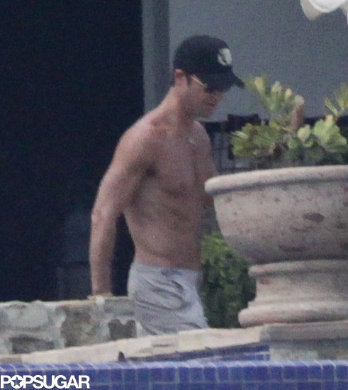 Justin Theroux went shirtless.