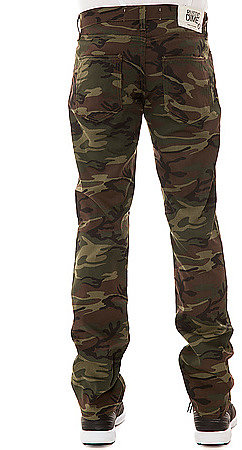 Rustic Dime The Slim Twill Pants in Camo