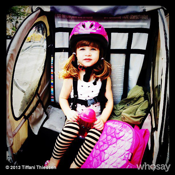 Tiffani Thiessen and her daughter spent Sunday in Central Park. We love Harper's pink accessories.  Source: Instagram user tathiessen