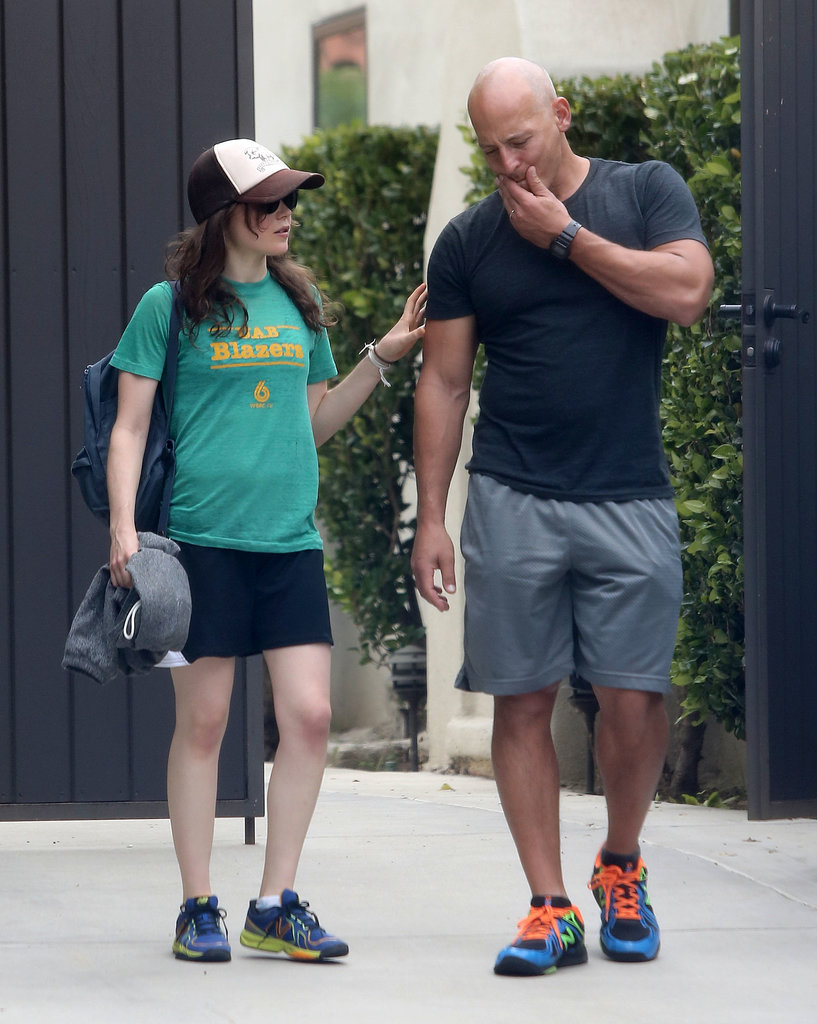Add another celebrity client to Harley Pasternack's list! Actress Ellen Page was recently spotted with the trainer in LA.