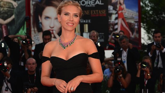 Video: Scarlett Johansson Is Engaged — Meet Her Man, Romain Dauriac!