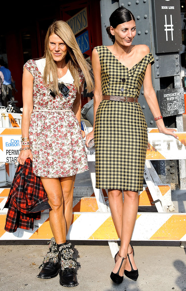 Anna Dello Russo and Giovanna Battaglia made their way between shows in their best front row styles.