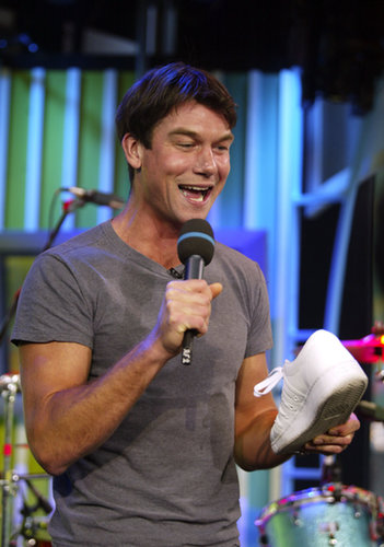 Jerry O'Connell goofed off during an episode of TRL in 2003.