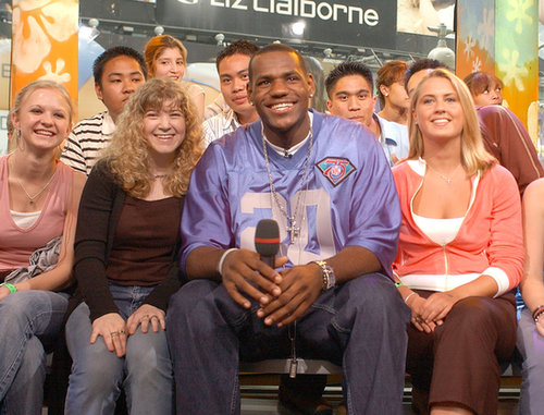 LeBron James sat with fans on TRL in 2003.