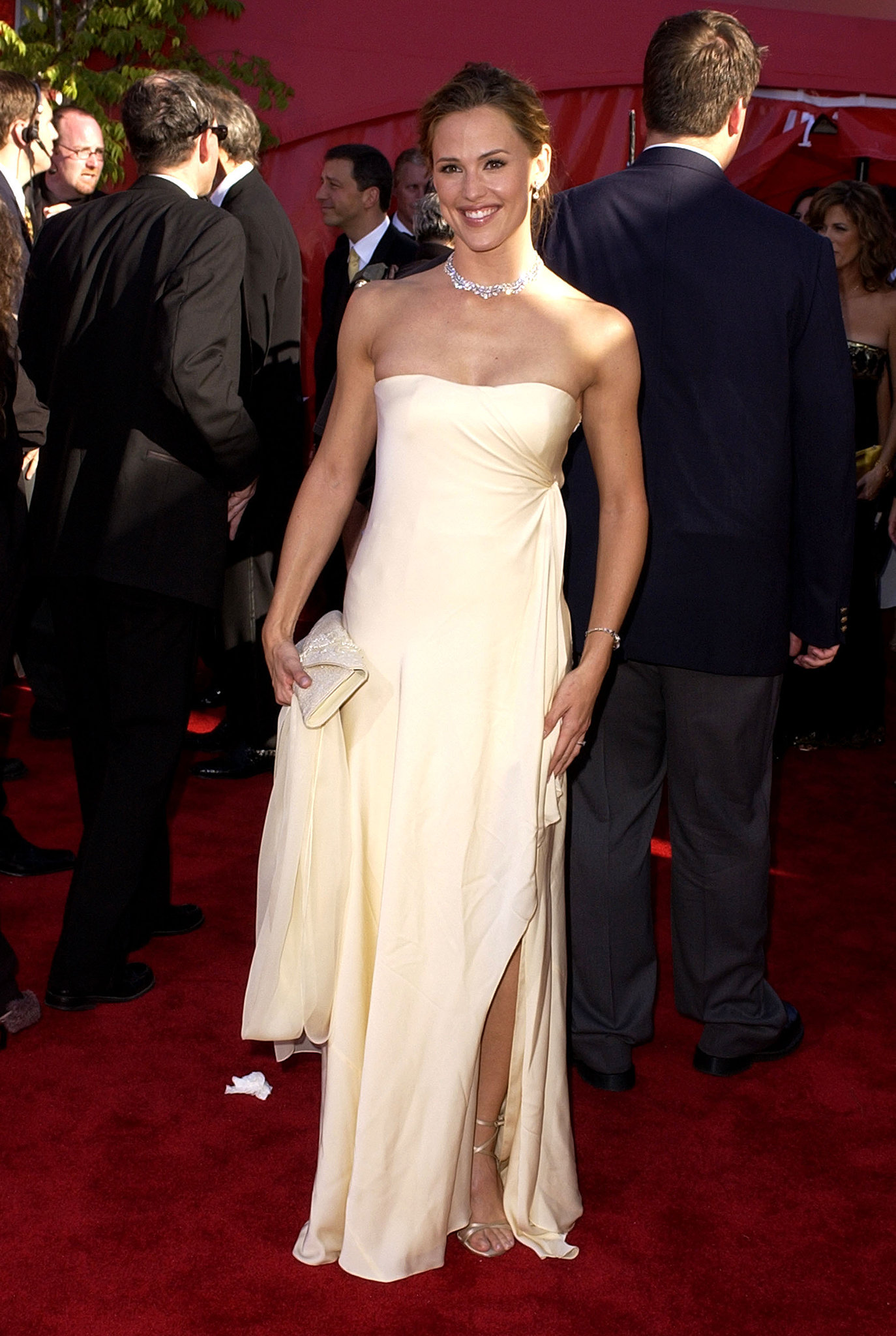 Jennifer Garner looked lovely in ivory at the 2002 awards.