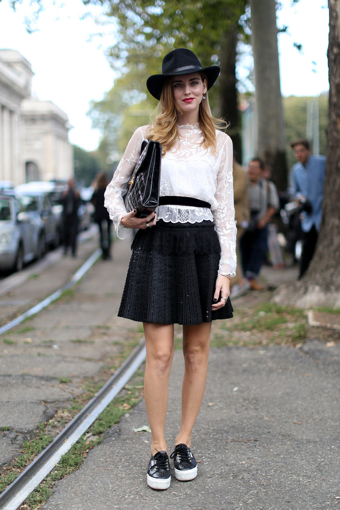 Chiara Ferragni gave a high-fashion white and black look a dressed-down finish.