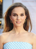 Natalie Portman stepped out for the New York City Ballet 2013 Fall Gala with demure makeup look. She played up her eyes with a soft brown smoky eye and opted for a classic blowout with a deep side part.