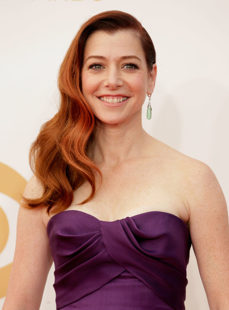 Sideswept waves were the biggest trend to come out of award season last year, and perhaps Alyson Hannigan is bringing them back for another round.