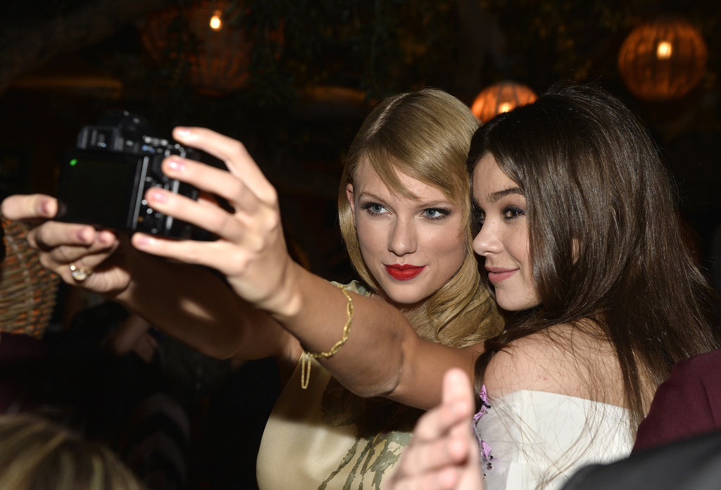 Taylor Swift and Hailee Steinfeld took a selfie at the September premiere of Romeo and Juliet.