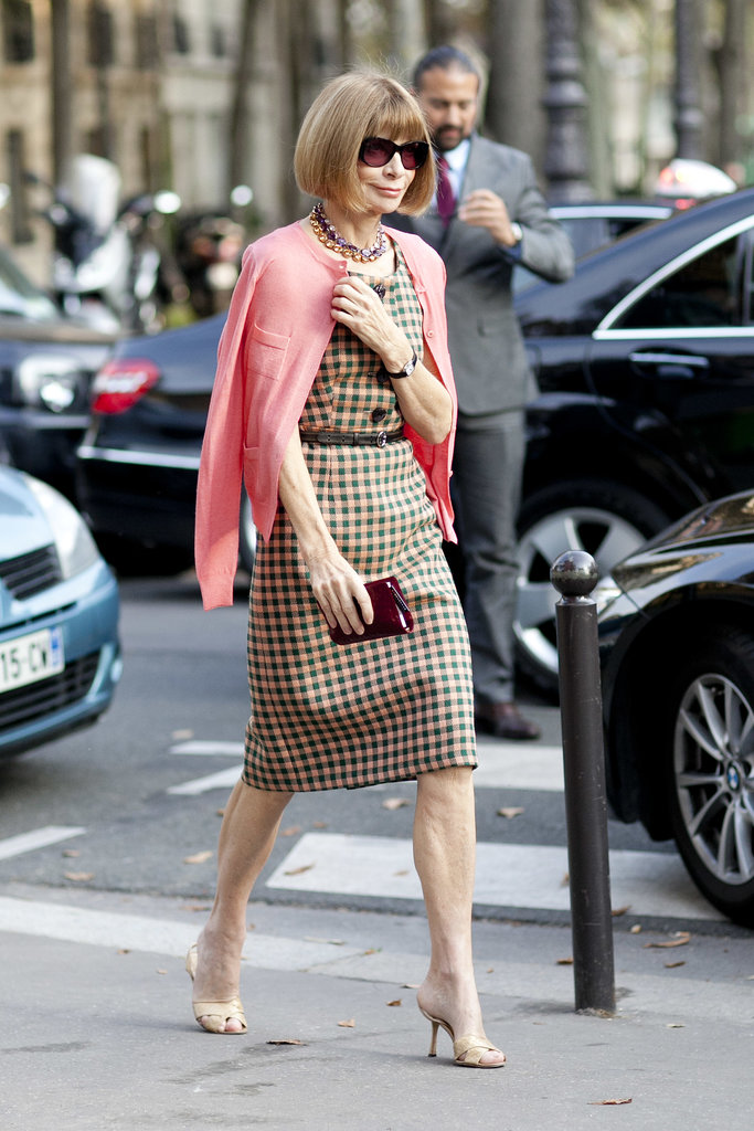 Anna Wintour outfitted a Prada sheath with a pop of pink.