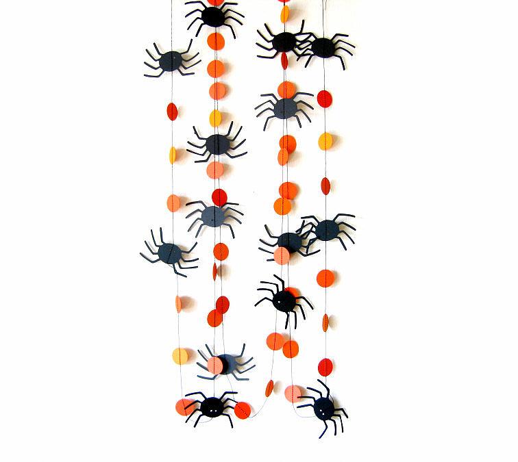 Spider Circle Garland