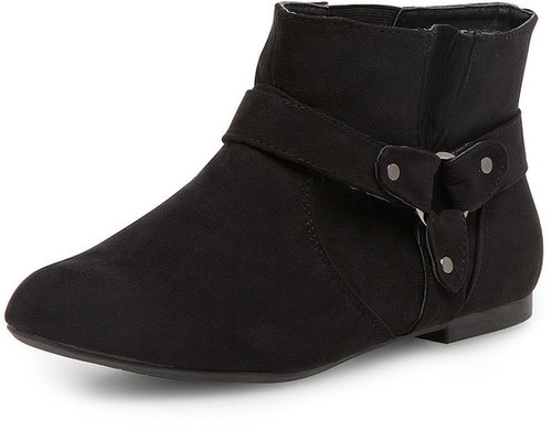 Black strap pull on boots