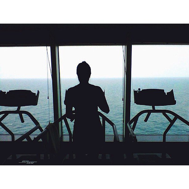 What an inspiring view for a treadmill workout! Source: Instagram user danellalei