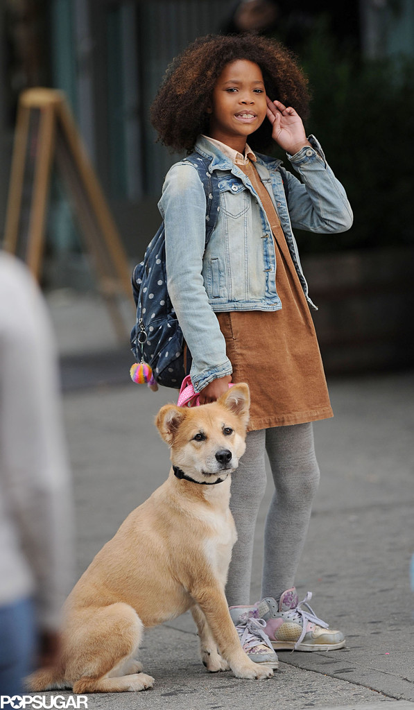 Quvenzhané Wallis held onto a dog.
