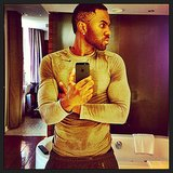 Jason Derulo showed off his muscles in this mirror selfie. Source: Instagram user jasonderulo