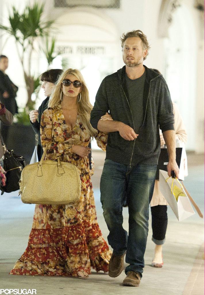 Jessica Simpson and Eric Johnson Sneak In Some PDA in Capri
