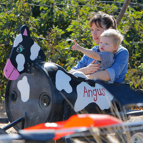 Jennifer Garner at the Pumpkin Patch With Samuel Affleck