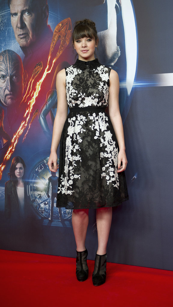 Hailee proved that florals aren't just for Spring when she attended an Ender's Game photocall in Berlin wearing a black, gray, and white lace dress with black booties by Bionda Castana.