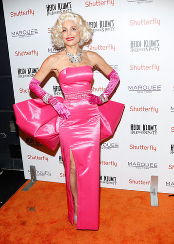 Bethenny Frankel channeled old-Hollywood glamour at Heidi Klum's annual Halloween party in NYC in 2013.