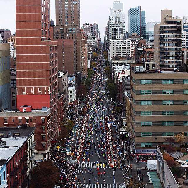 Runners as far as the eye can see. Source: Instagram user stefankarlstrom