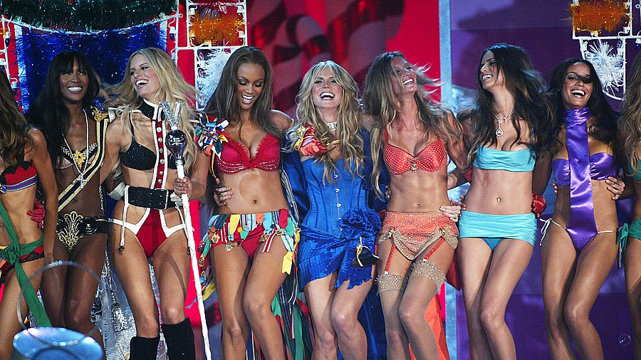 Ten Sexiest Moments Ever at the Victoria's Secret Fashion Show