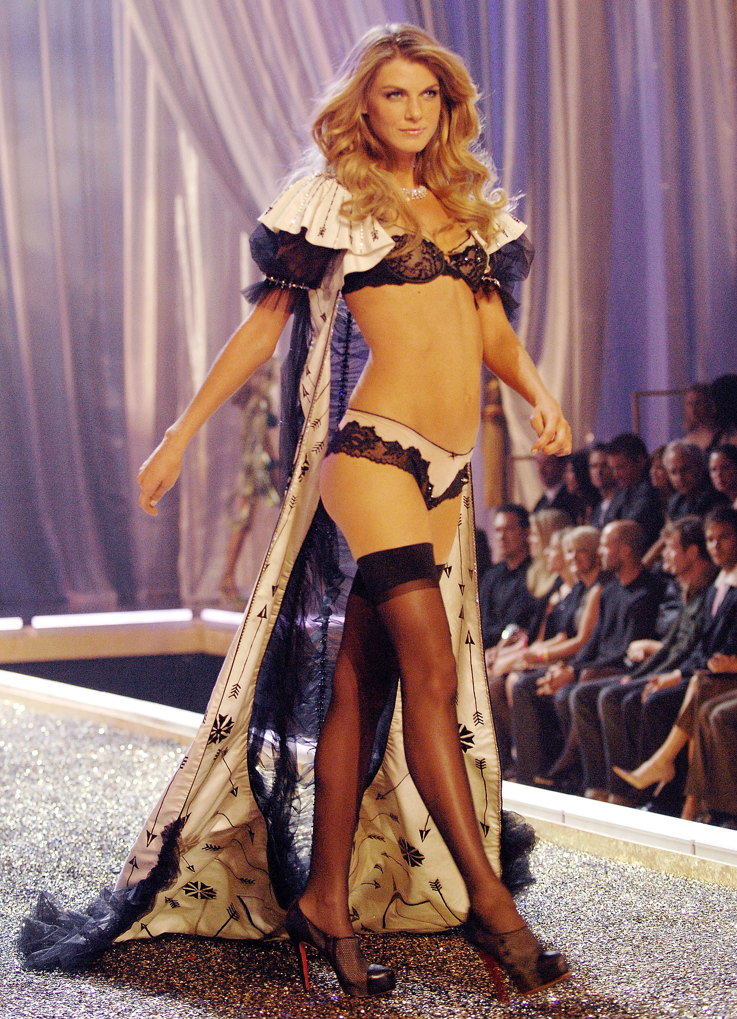 Angela Lindvall looked regal on the runway in 2007.