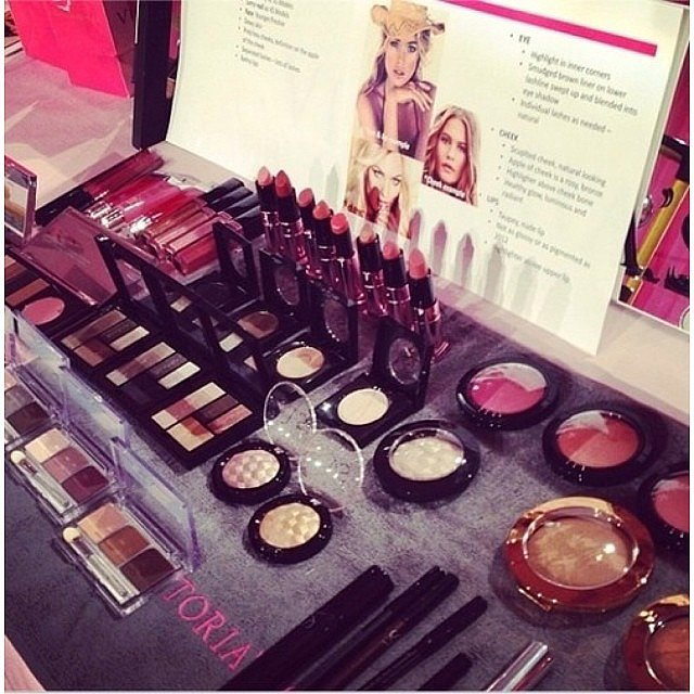 There's plenty of makeup backstage to create that signature bombshell look. Source: Instagram user candy_wings