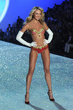 2. Candice Swanepoel rocked the $10 million Fantasy Bra during the show.