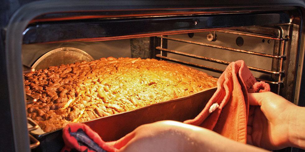 Avoid the Dreaded Thanksgiving Oven Jam