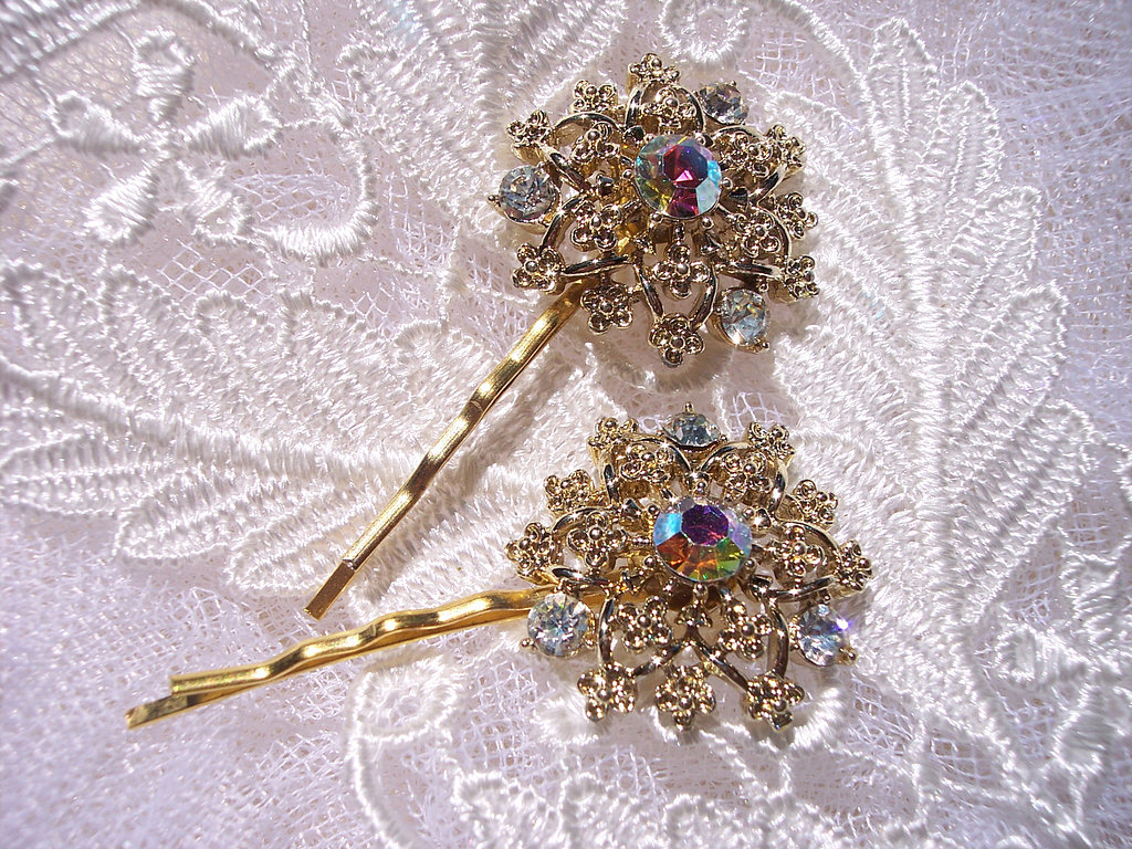 Who said snowflakes had to be tacky? These vintage snowflake bobby pins ($42) are perfectly glittering and glamorous.