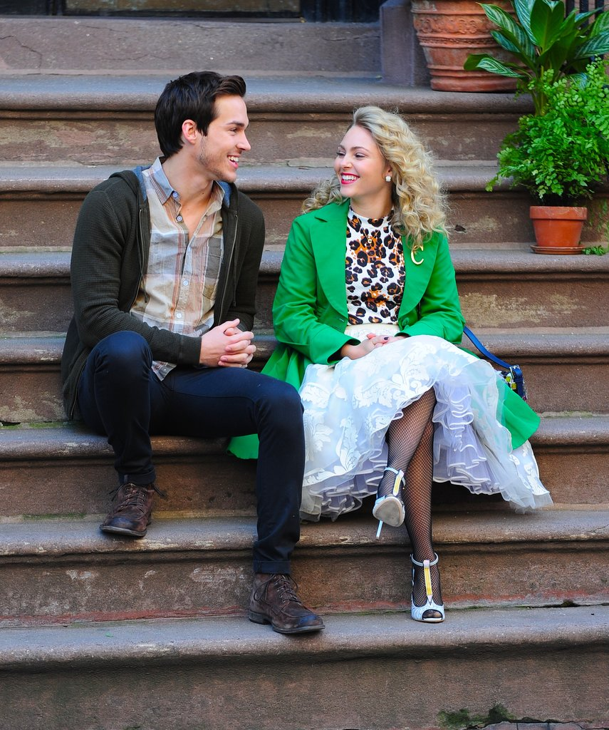 AnnaSophia Robb channeled her Ms. Bradshaw while filming scenes with Chris Wood on the Carrie Diaries set in NYC on Wednesday.
