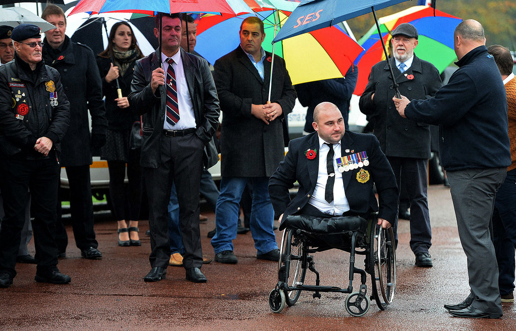 Hundreds of Strangers Attend the Funeral of a War Veteran