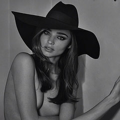 Celeb Fashion & Beauty Instagrams: Miranda Kerr, Lara Bingle