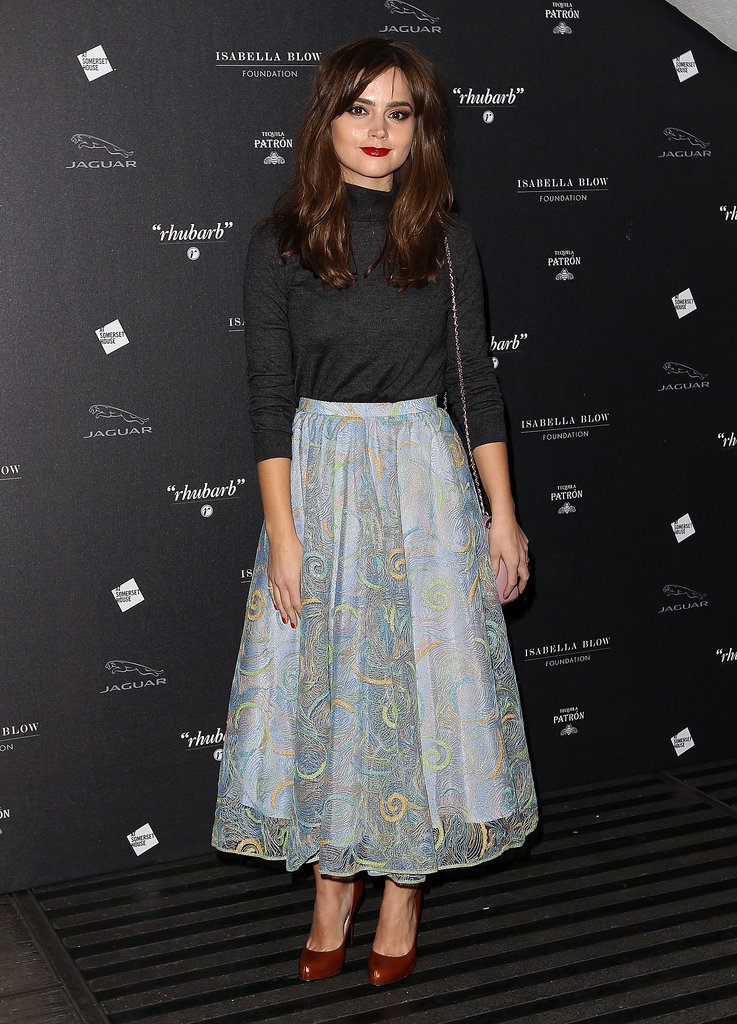 Attending a fashion event at London's Somerset House, Jenna showed that petite girls can look amazing in midi skirts!