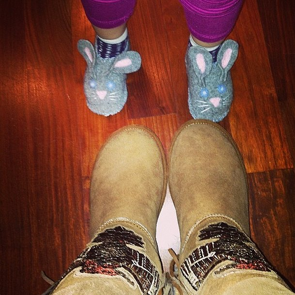 This mother-daughter duo kept their toes cozy and chic. Source: Instagram user jessicaalba