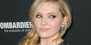 Abigail Breslin Is Stunning In Sheer Dress