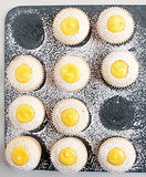 Lemon Cupcakes With Lemon Curd
