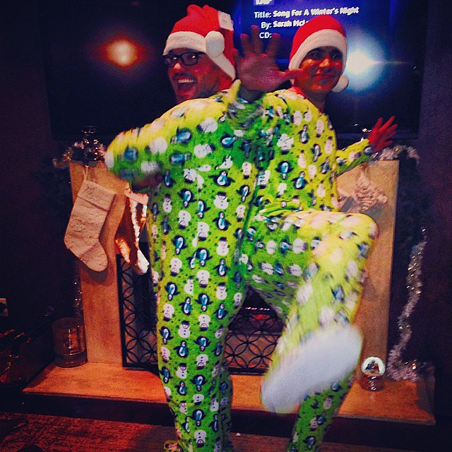Jessica Alba shared a picture of her husband, Cash Warren, rocking footed pajamas. Source: Instagram user jessicaalba