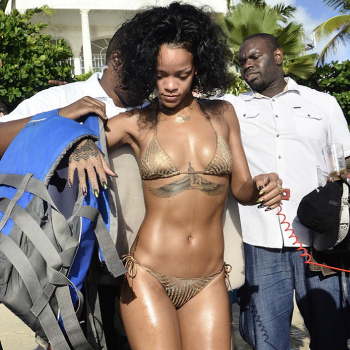 Celebrity Bikini Style 2014 | Video