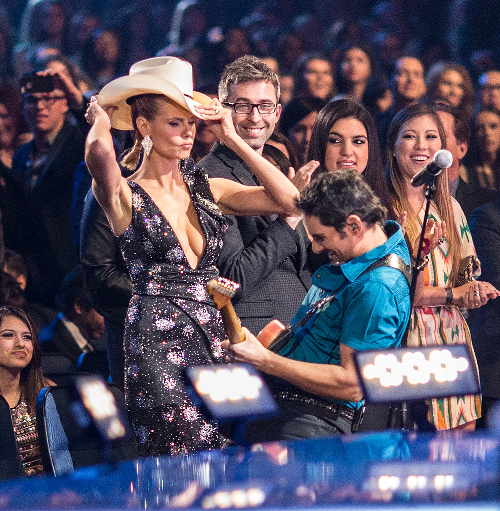 Heidi Klum got in on the fun during Brad Paisley's performance . . . and with every other star there too.