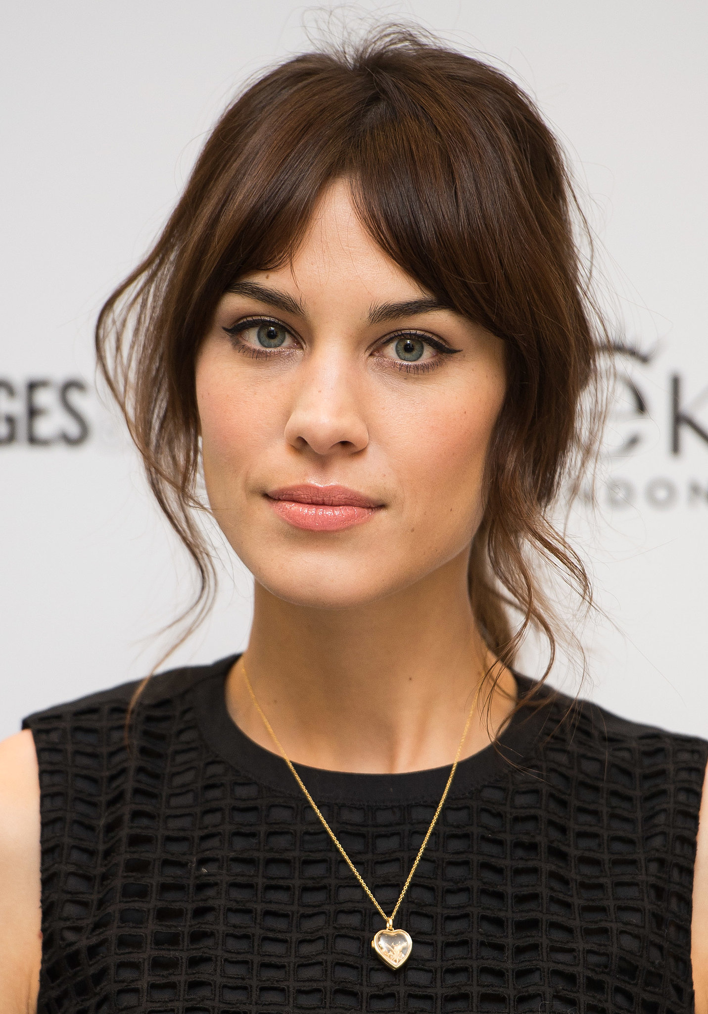 How Does Alexa Chung Keep Her Fringe Not Greasy
