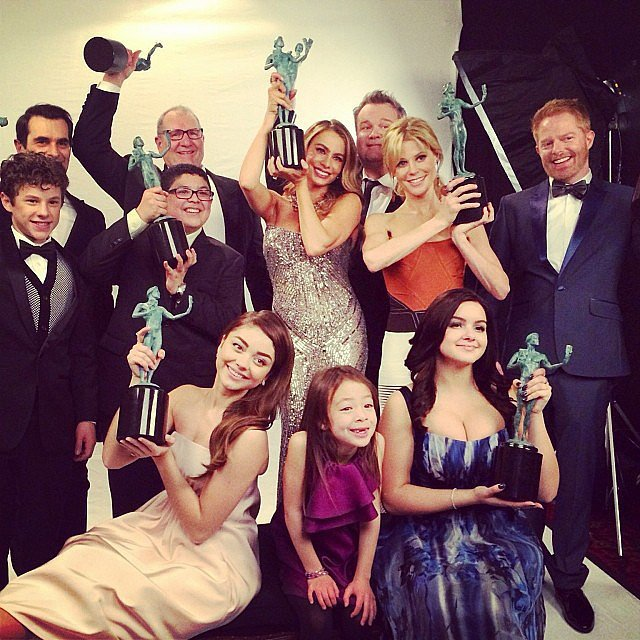 Jesse Tyler Ferguson posed in the press room with his Modern Family castmates at the SAG Awards. Source: Instagram user jessetyler