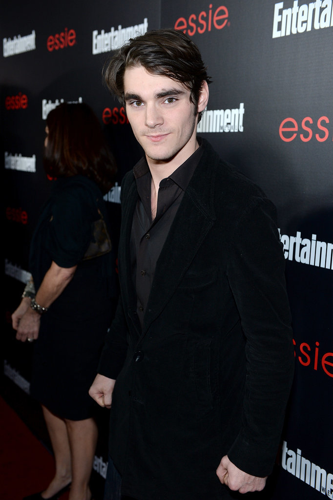 Breaking Bad's RJ Mitte opted for an all-black getup.